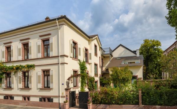 Stadtvilla Neustadt an der Weinstraße in der schönen Pfalz, von-Hartmann-Str. 9, https://stadtvilla-neustadt.de