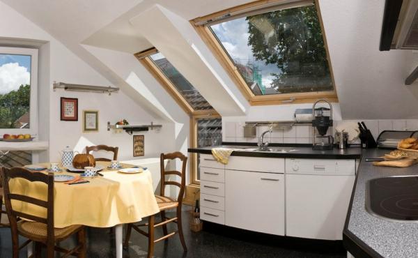 Stadtvilla Neustadt - Küche mit Ausgang auf die Terrasse