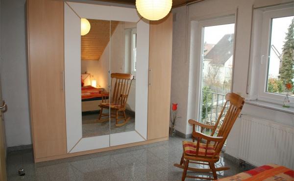Schlafzimmer - Ferienwohnung Metz, Weindorf Lachen-Speyerdorf, Neustadt an der Weinstraße (Pfalz)