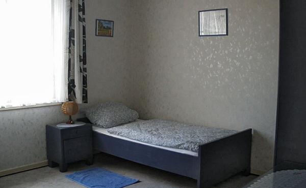 2. Schlafzimmer mit Einzelbett, Ferienhaus Ronja - Weindorf Mußbach, Neustadt / Weinstr. (Pfalz)