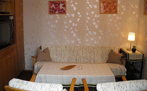 Gemütliches Wohnzimmer mit Sat.-Anlage, Ferienhaus Ronja - Weindorf Mußbach, Neustadt / Weinstr. (Pfalz)