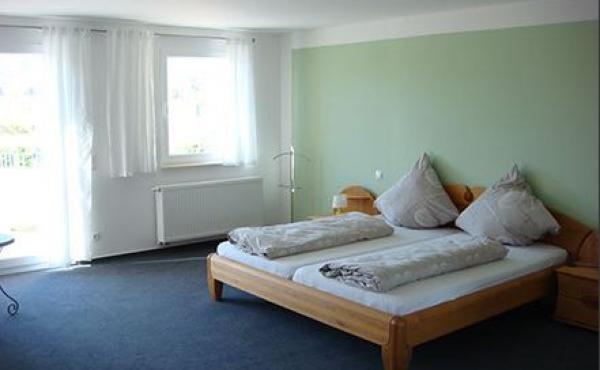 Schlafzimmer, Gästezimmer Johanniskirchel - Weingut / Gästehaus Glas, Neustadt / Weinstr. (Pfalz)