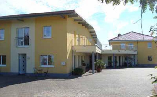 Außenansicht - Weingut / Gästehaus Glas, Neustadt / Weinstr., beim Weindorf Diedesfeld (Pfalz)
