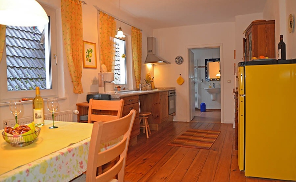 Küche, komplett eingerichtet, Fewo Kirchbergblick - Haus am Schlossberg, Neustadt / Weinstr., Weindorf Hambach