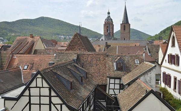 Blick vom Balkon auf die historische Altstadt, Fewo Gästehaus Altstadt