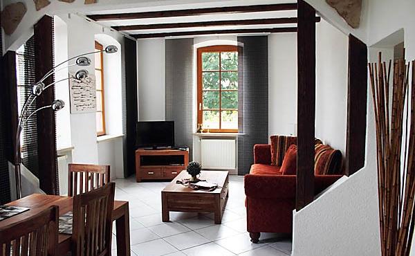 Wohn-/Essraum, Apartment Feigenblatt - Urlaubsdomizil Haardter Sonne, Neustadt / Weinstr. (Pfalz)