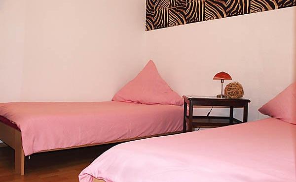 Schlafzimmer 2, Apartment Feigenblatt - Urlaubsdomizil Haardter Sonne, Neustadt / Weinstr. (Pfalz)