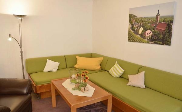 Gemütlicher Wohnbereich - Ferienwohnung Kerner, Ferienhaus Winzerhof, Weindorf Haardt, Neustadt / Weinstraße (Pfalz)