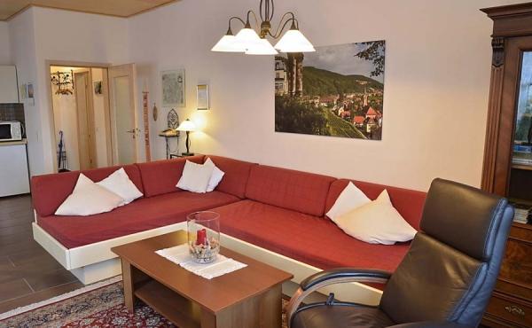Großzügiges Wohnzimmer - Ferienwohnung Silvaner, Ferienhaus Winzerhof, Neustadt / Weinstraße, Weindorf Haardt