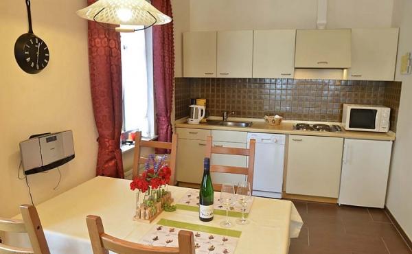 Essbereich und Küche - Ferienwohnung Silvaner, Ferienhaus Winzerhof, Neustadt / Weinstraße, Weindorf Haardt