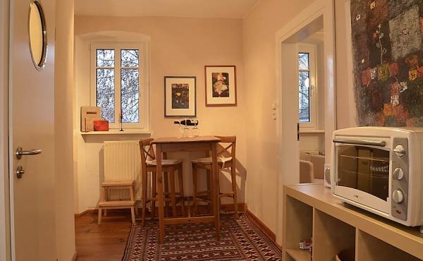 Essbereich Richtung Wohn- und Schlafzimmer - Ferienwohnung Kastanienbusch, Haus Mandelblüte, Weindorf Gimmeldingen, Neustadt / Weinstr. (Pfalz)