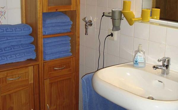Bad mit Dusche / WC - Ferienwohnung Barrique, Neustadt / Weinstraße (Pfalz)